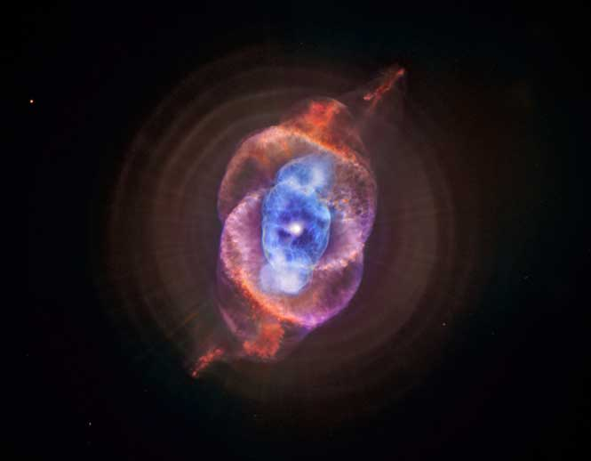 Chandra and Hubble composite image of Cat's Eye Nebula