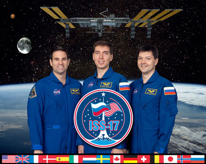 ISS017-S-002B: Expedition 17 crew
