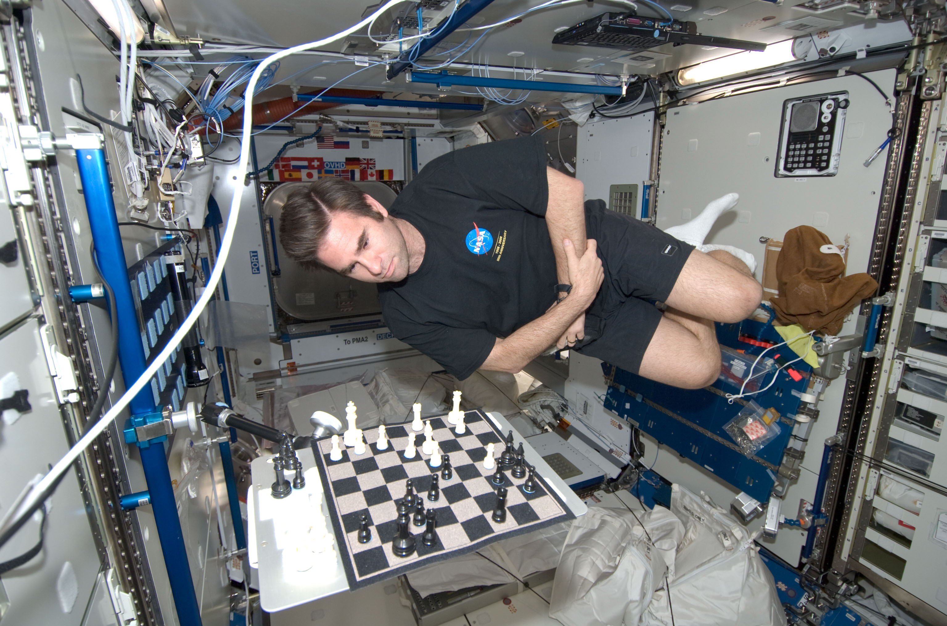 life of astronaut in space station - photo #42