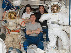 ISS017-E-011566 -- Expedition 17 crew