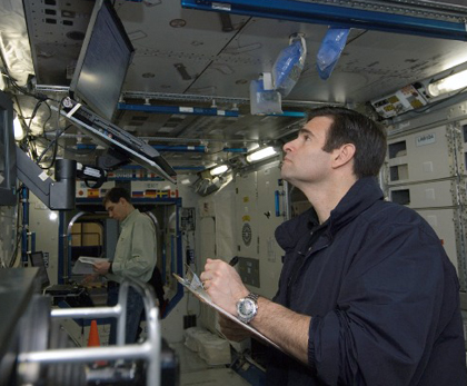 NASA - Expedition 17 Mission Logs: Greg Chamitoff