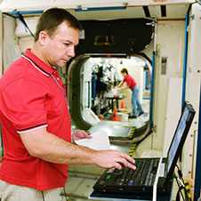 jsc2008e096854 -- Expedition 18 Flight Engineer Yury Lonchakov