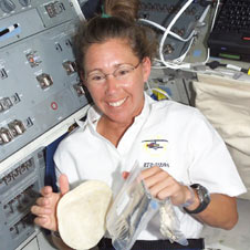 s112e05023 -- STS-112 Mission Specialist Sandra Magnus