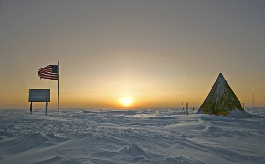 Photo of sunrise at the South Pole