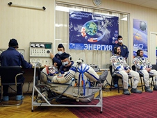 JSC2008-E-122807 -- Expedition 18 crew
