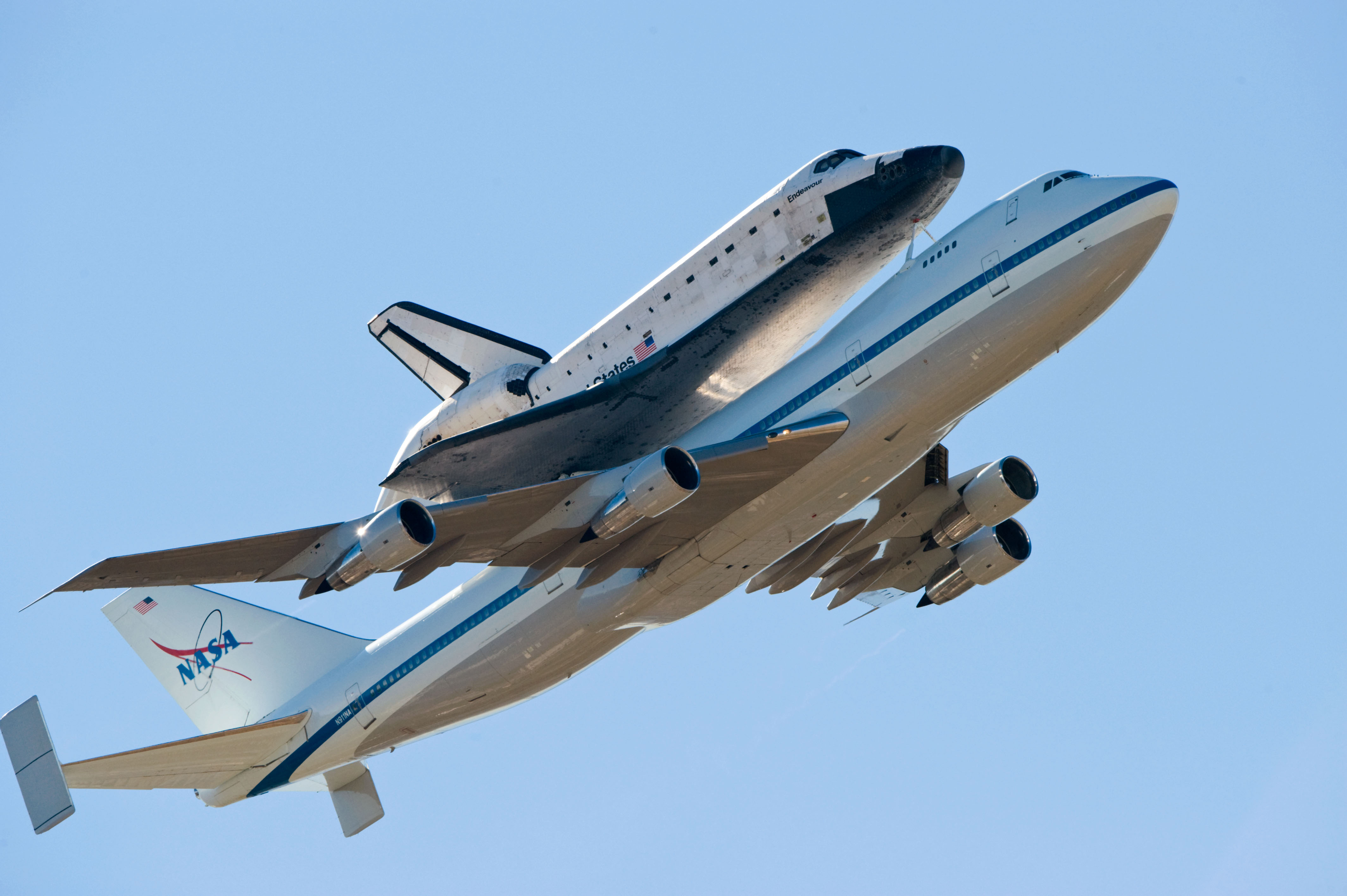 weight of a space shuttle - photo #13