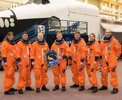 jsc2008e119073 -- STS-126 crew members