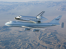 Endeavour returns to Kennedy on the Shuttle Carrier Aircraft