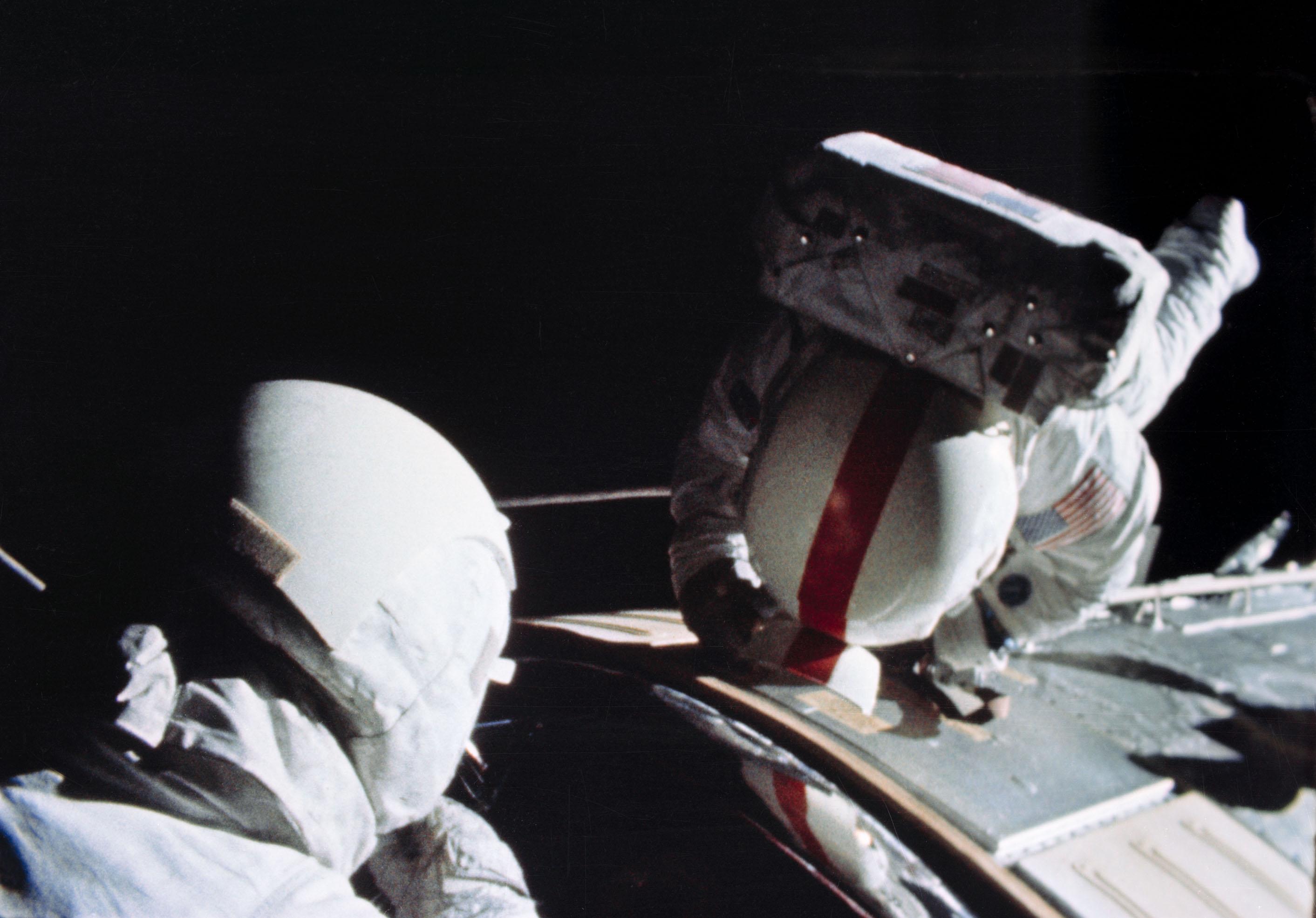 NASA - Apollo Astronaut Mattingly Lauded for Service