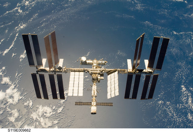 S119-E-009662 -- International Space Station
