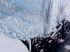 image of Antarctica's Larsen B Ice Shelf disintegrating in 2002