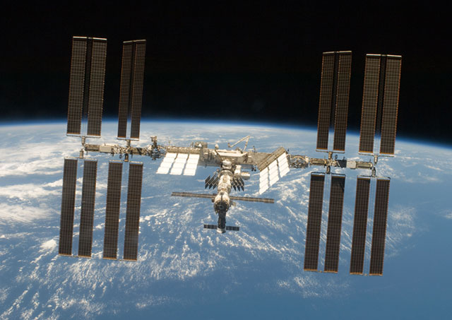 S119-E-009765: International Space Station