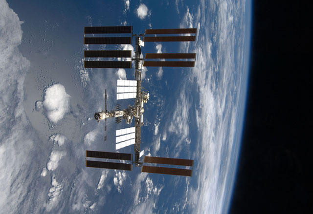 S126-E-014780: International Space Station