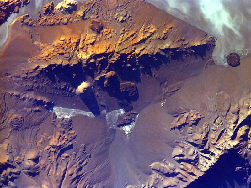 http://www.nasa.gov/images/content/330056main_image_1332_800-600.jpg