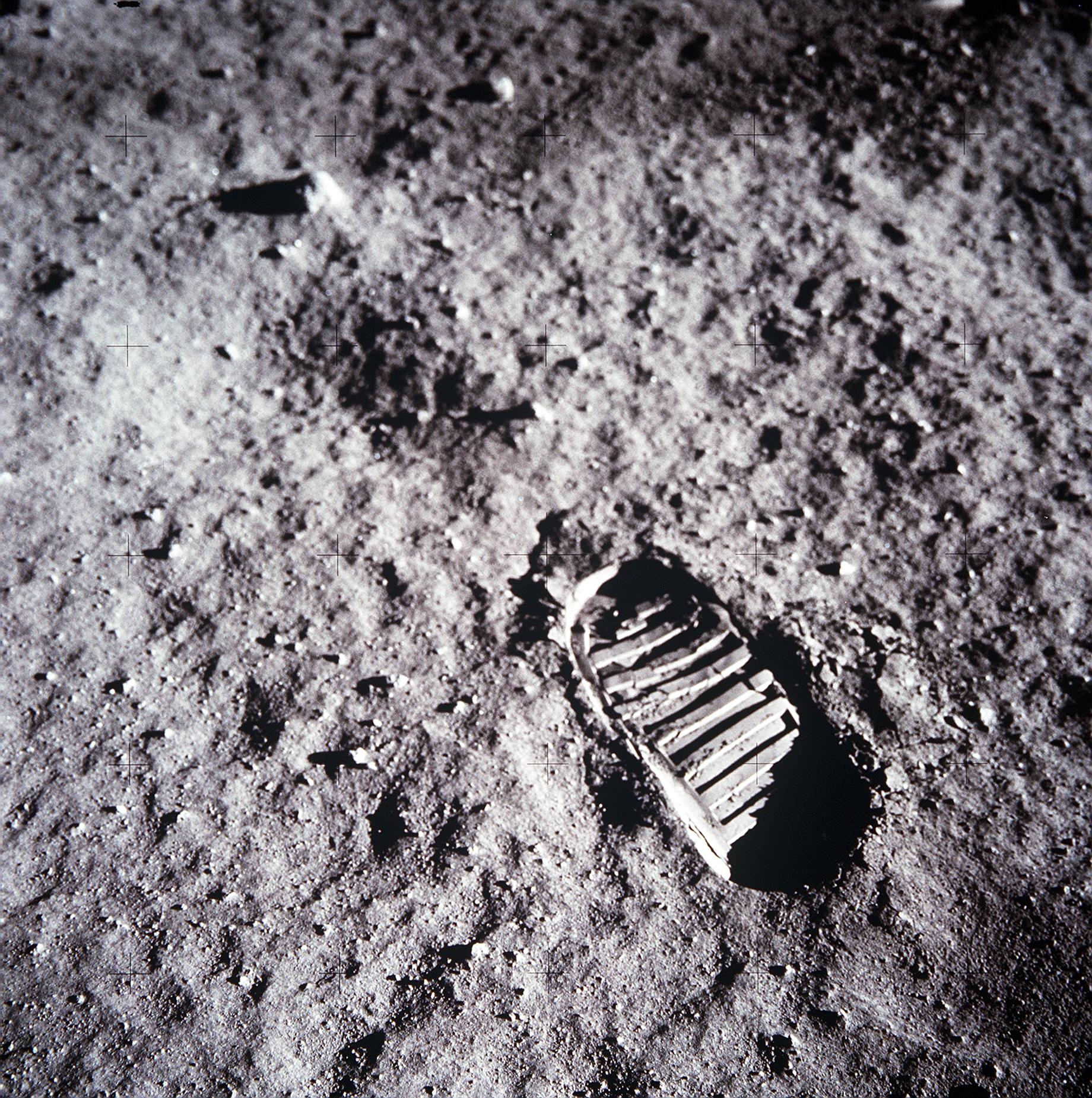 apollo 11 moon landing first step - photo #23