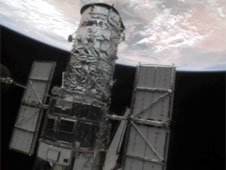 Atlantis releases Hubble