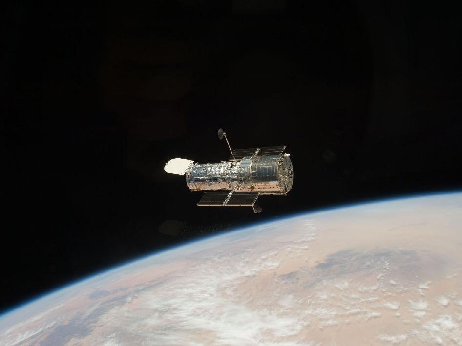 Hubble drifts farther away from Atlantis