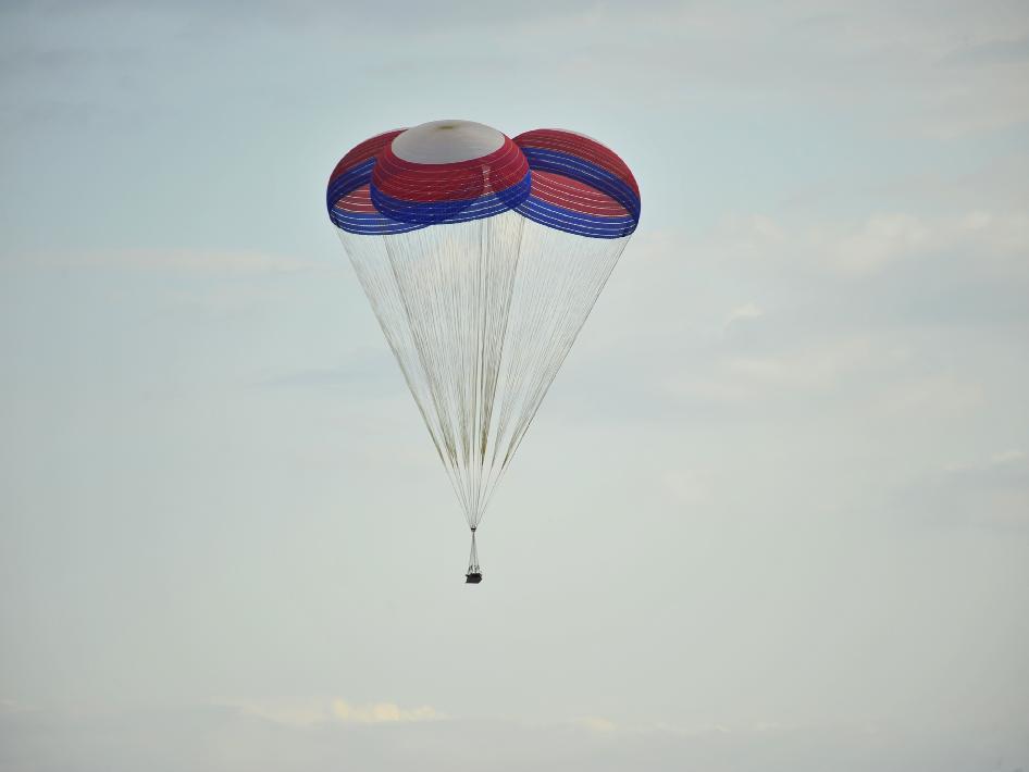 Astronaut Parachute - Pics about space