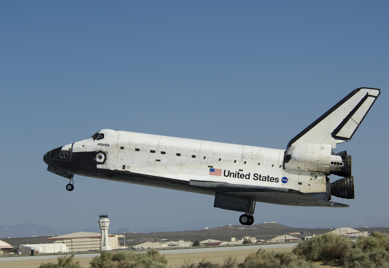 space shuttle atlantis - 1000×698