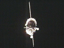 Expedition 20 arrives in a Soyuz TMA-15