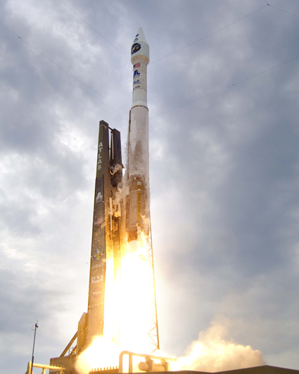 Launch of the Atlas V rocket carrying the LRO and LCROSS spacecraft