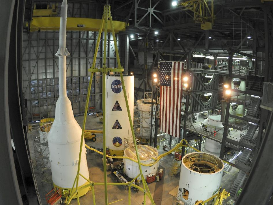 Hardware stacking for the Ares I-X flight test rocket