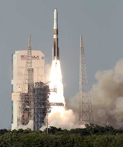 GOES-O launches aboard a Delta IV rocket