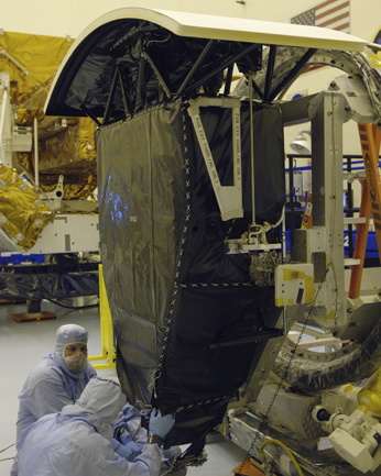 Wide Field and planetary Camera 2 is prepared for shipping to Goddard Space Flight Center.