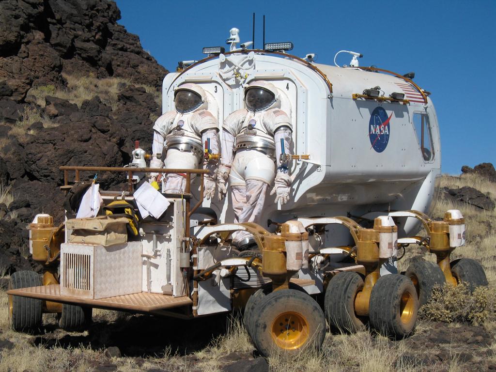view inside nasa lunar rover - photo #18