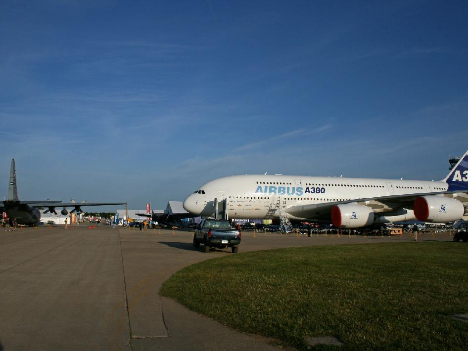 Airbus 380 at EAA AirVenture