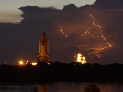 Rollout of STS-128
