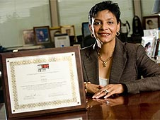 Tereasa Washington, director of the Marshall Center's Office of Human Capital, displays the award