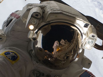 STS 128 space walk