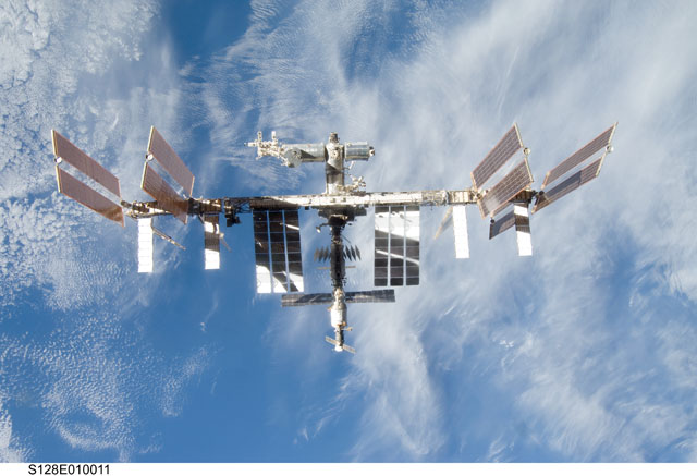 S128-E-010011: International Space Station