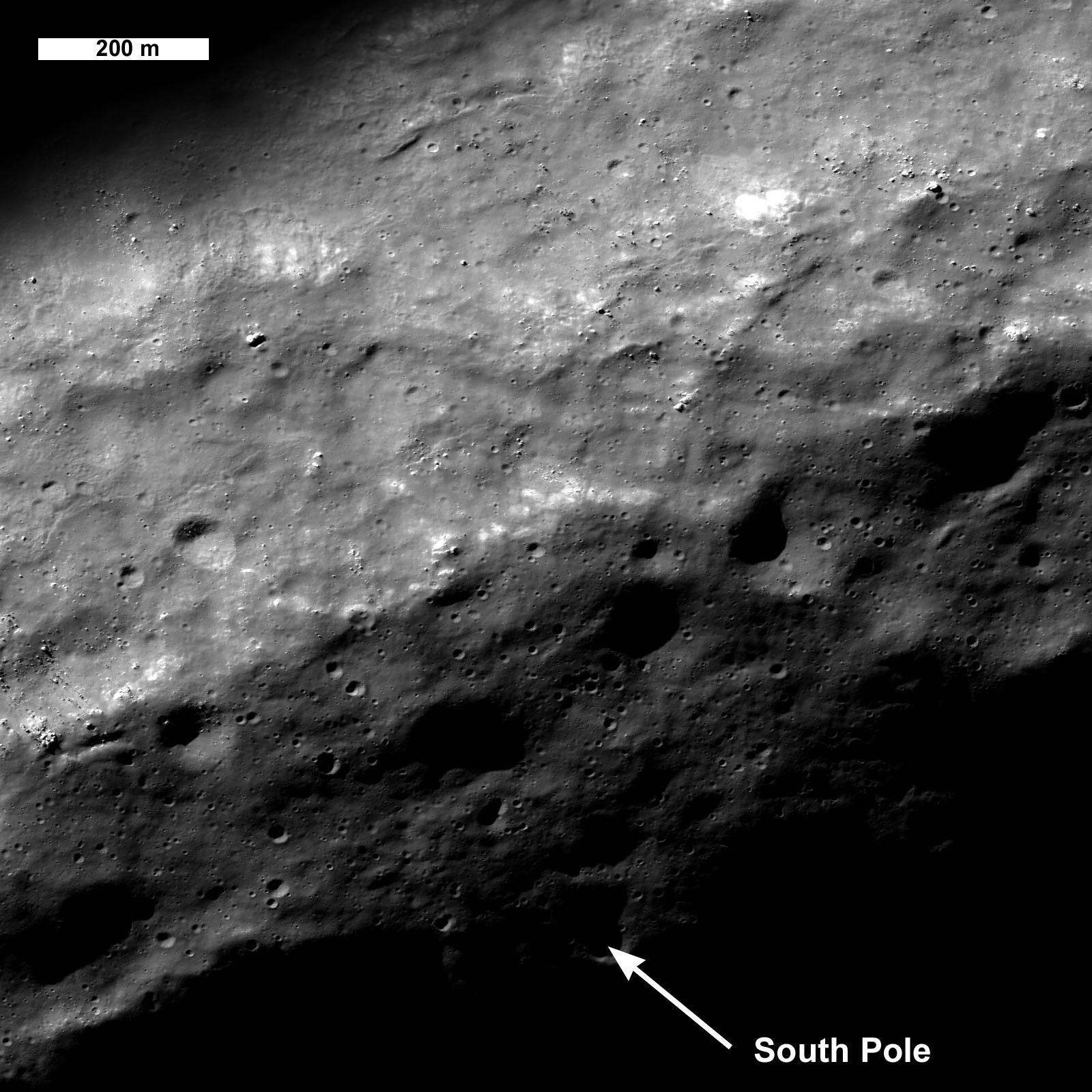 NASA: Lunar orbiter begins mapping, studying moon surface ...
