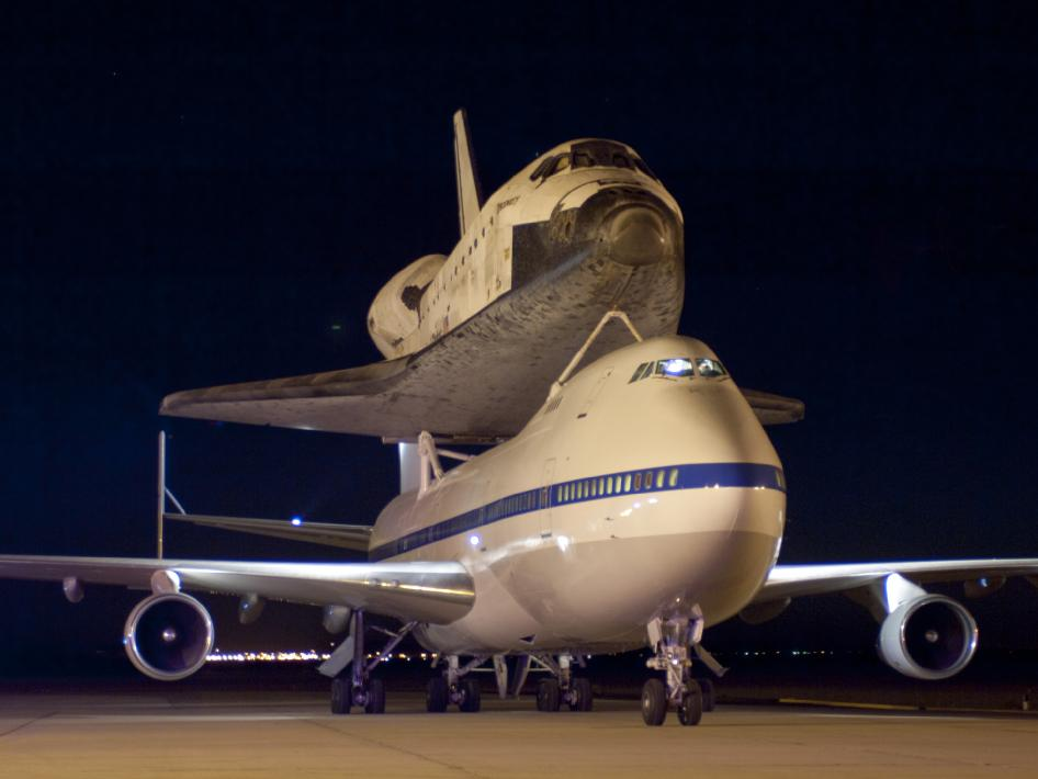 NASA's modified Boeing 747 carrying the space shuttle Discovery