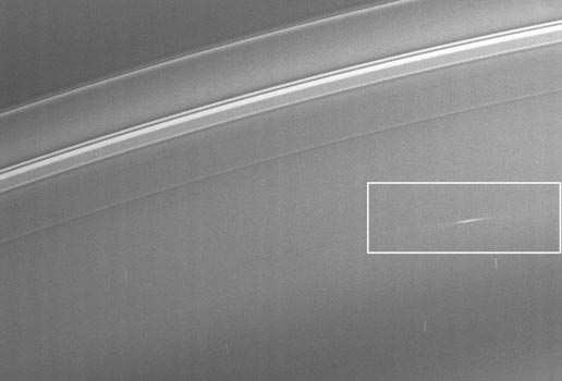 Streaks on Saturn showing evidence of a constant rain of interplanetary projectiles onto the planet's rings