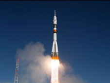 JSC2009-E-215139: Soyuz TMA-16 launch