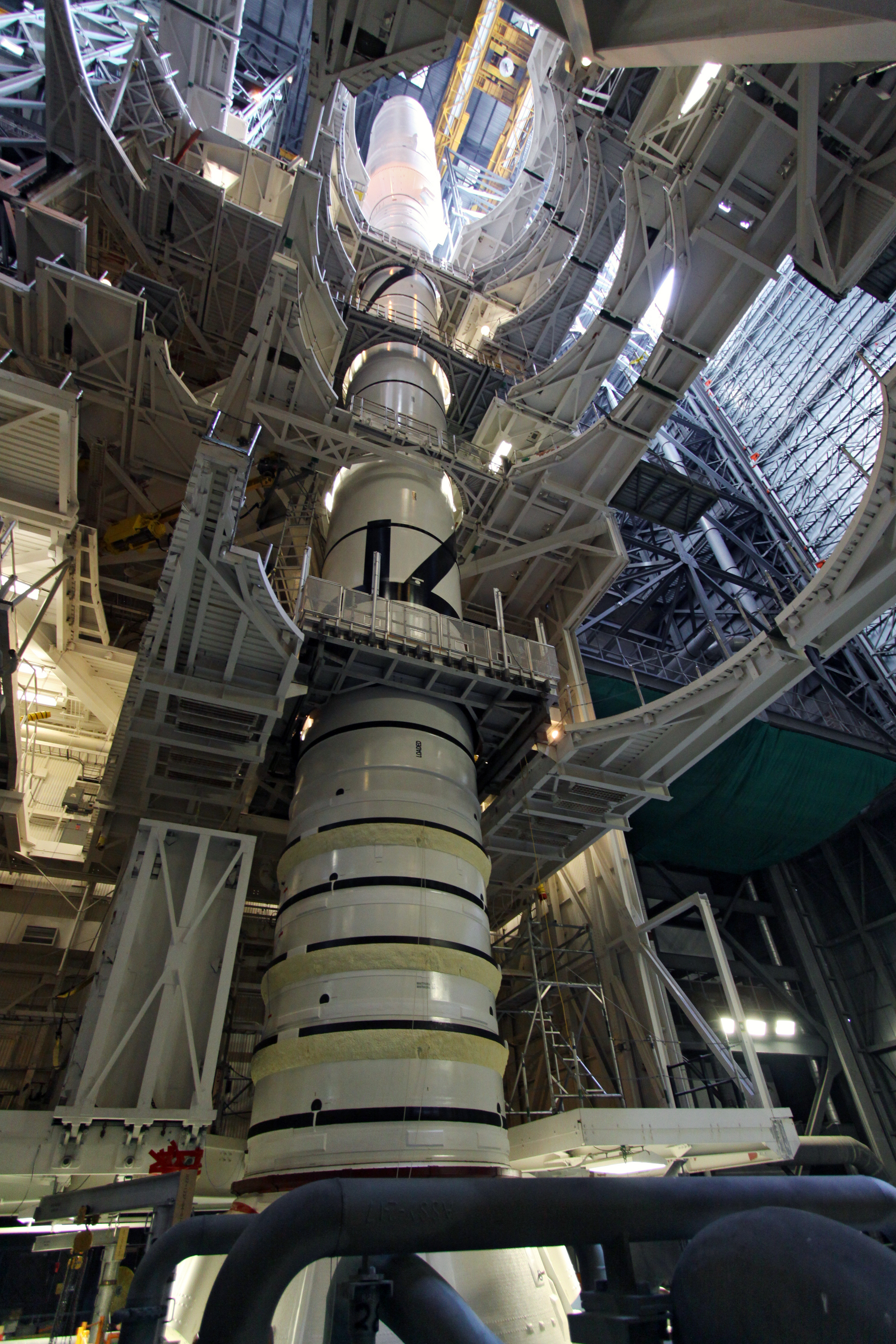 Nasa Vehicle Assembly Building Interior - Pics about space