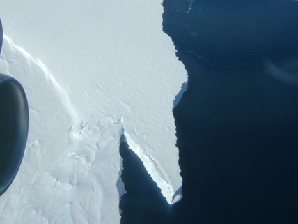 Flight over Antarctica's Pine Island Glacier (PIG)
