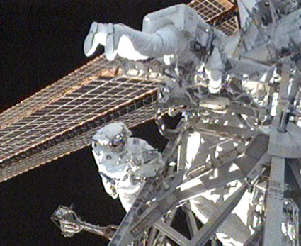Spacewalkers Mike Foreman and Robert Satcher