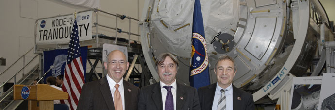 From left, Michael Suffredini, International Space Station program manager: Secondino Brondolo, head of the Space Infrastructure, Thales Alenia Space Italy; and, Bernardo Patti, head of International Space Station, Program Department, ESA