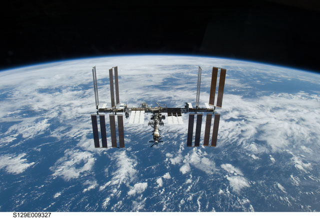 S129-E-009327 -- International Space Station