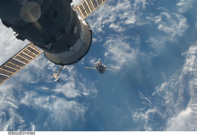 ISS022-E-014393 -- The Soyuz TMA-17 spacecraft