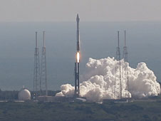 Atlas V launches