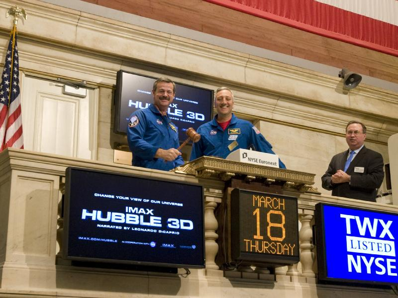 STS-125 Crew Visits the Stock Exchange