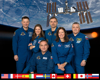 ISS024-S-002A -- Expedition 24 crew
