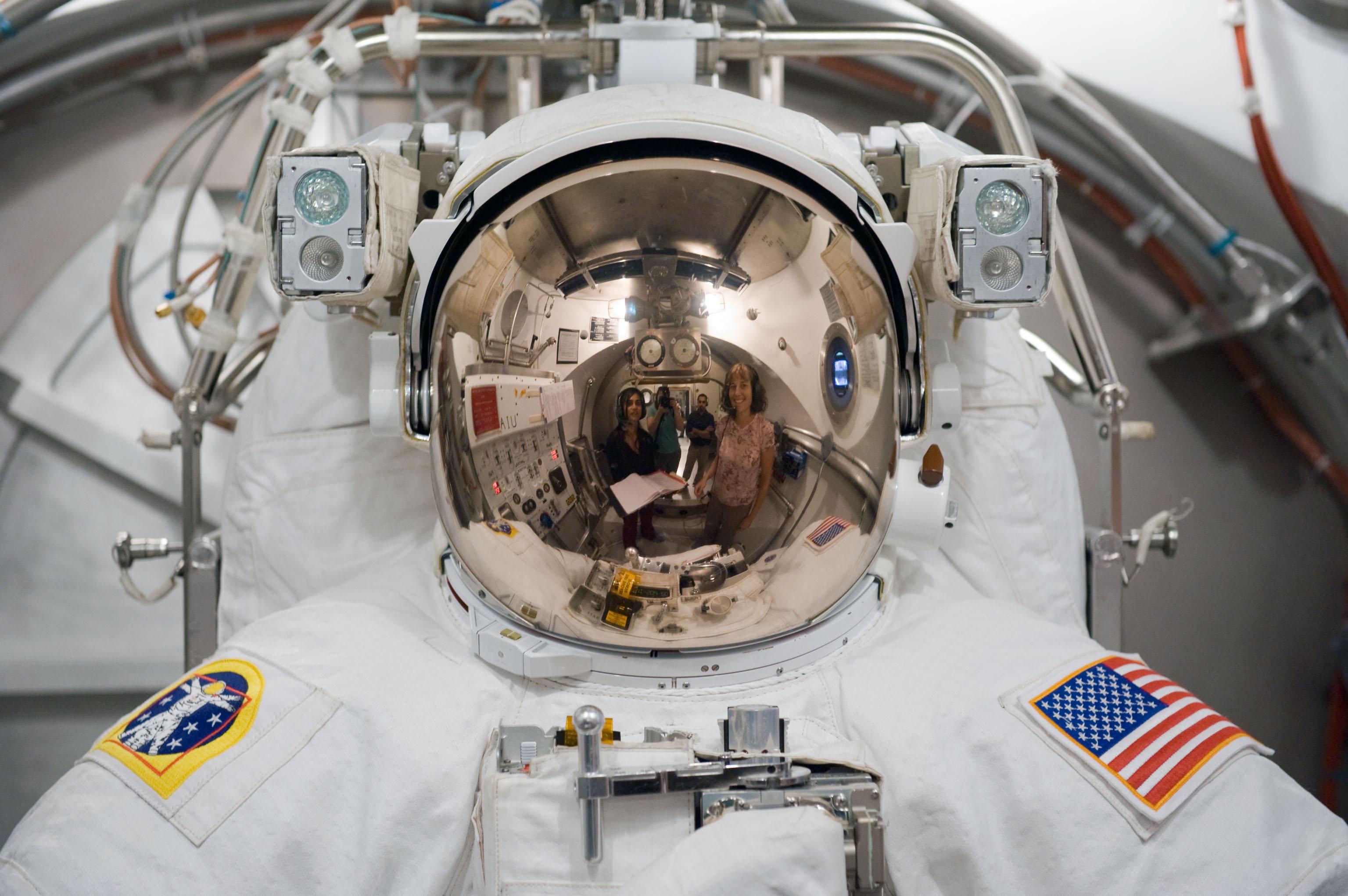 NASA Emu Helmet 2010 - Pics about space