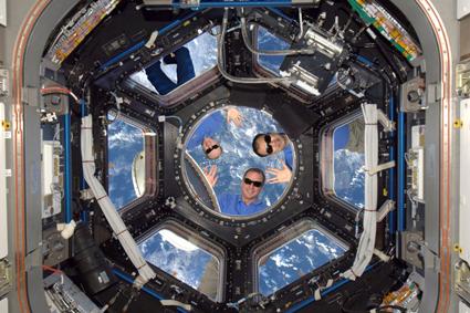 653e752b026 Témata  Provoz ISS Patek - 4 10 2003 - 14 26 MEK příspěvek  5268 ...