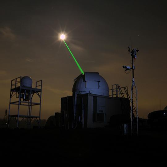 تعیین فاصله زمین تا ماه با استفاده از لیزر
